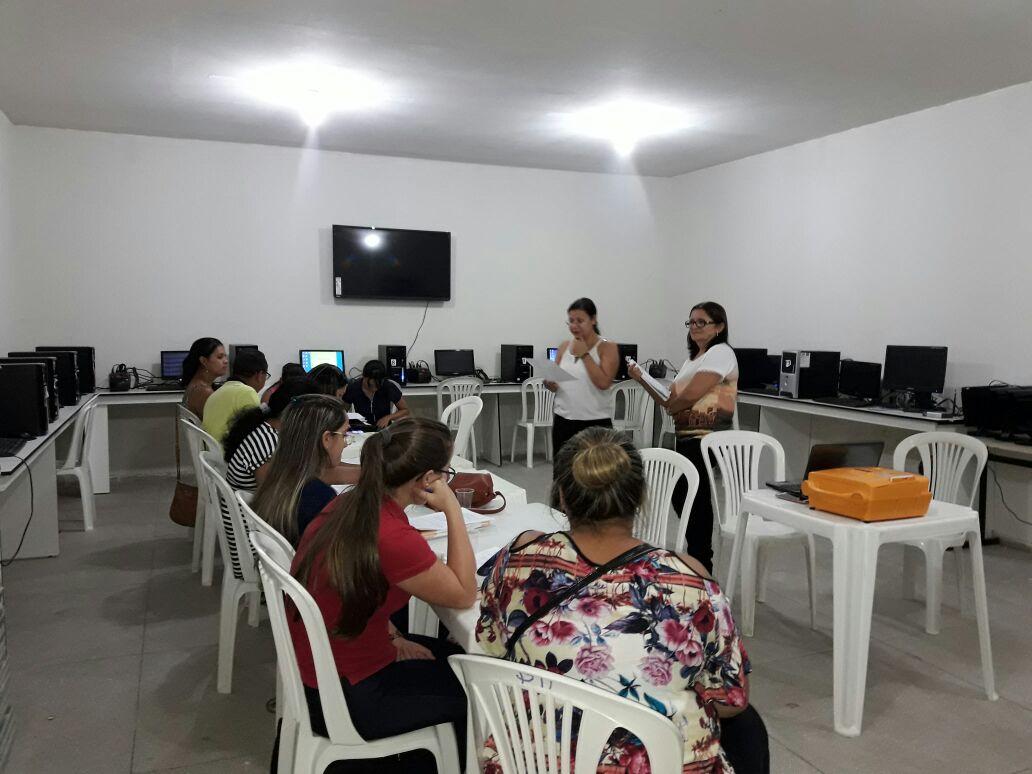 SECRETARIA DE EDUCAÇÃO INICIA AULAS DO PROGRAMA PROINFO NO MUNICÍPIO
