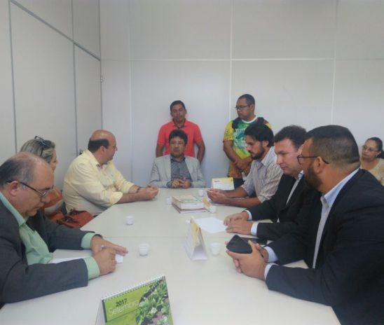 PREFEITO DE MONTANHAS MANUEL GUSTAVO NEGOCIA ACORDO COM O MINISTÉRIO DO TRABALHO